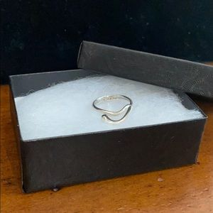 925Tiffany and Co Elsa Peretti Wave Teardrop Ring